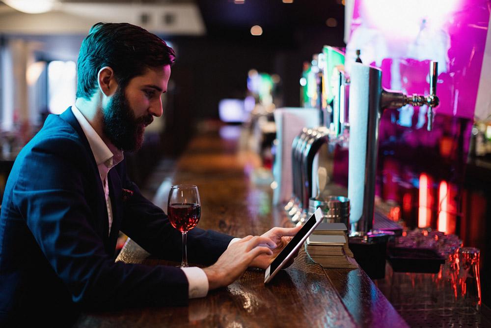 La minute Marketing :  l'avenir de la carte des vins sera-t-il digital ?